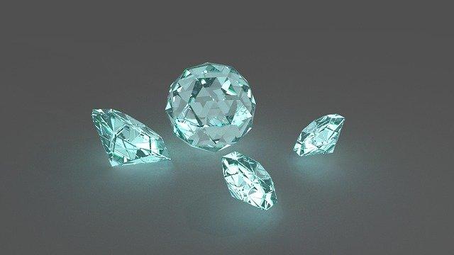 千葉の金買取店に並んだ宝石から考える人権問題